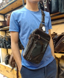 Túi da đeo ngực nam – BHM8014 - Đeo lên gọn gàng và rất tiện dụng