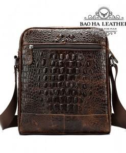 Túi đeo chéo nam vân cá sấu - BHM2228 - Mặt sau túi