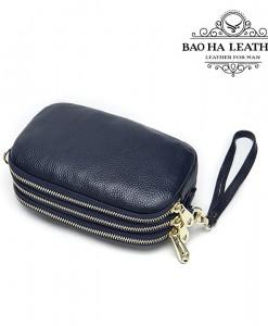 Khi là chiếc ví cầm tay - clutch nhỏ gọn và dễ dàng mang theo phụ kiện nhỏ bên mình