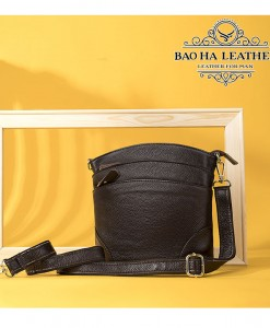 Túi đeo chéo nữ da bò giấ rẻ - BHW8363 màu Cà phê