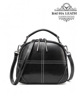 Túi nữ đeo chéo da bò - BHW3120D với dây đeo bằng da bò đồng màu