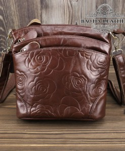 Túi nữ đeo chéo da bò dập nổi họa tiết 3D - BHDJ018 Nâu đậm