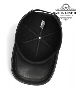 Bên trogn mũ với lớp vài lót mỏng, thoáng khí, thoải mái khi đội quanh năm
