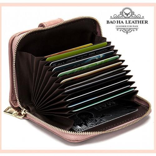 Ngăn khóa kéo với vô số ngăn để thẻ card, điều mà phụ nữ luôn cần