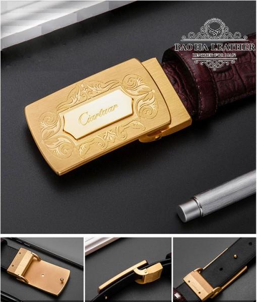 Mặt khóa tự động băng đồng nguyên khối khắc hoa văn tinh tế.
