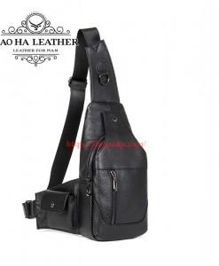 Túi đeo ngực da bò nam BHM7430 màu Đen